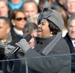 1024px-Aretha_Franklin_on_January_20 _2009
